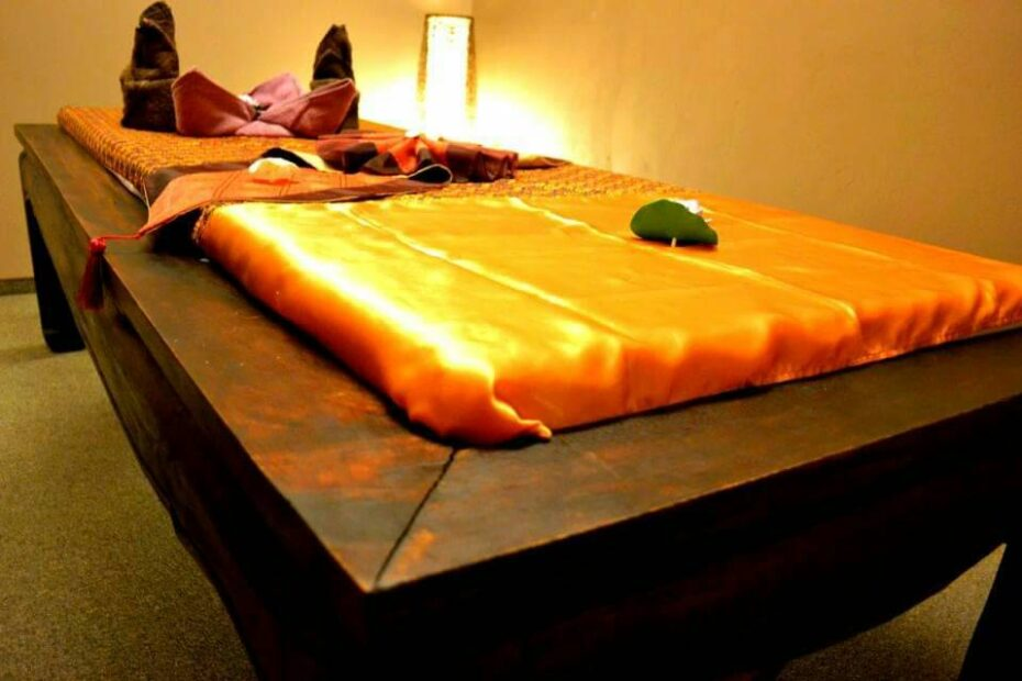 Thai Touch massage bed