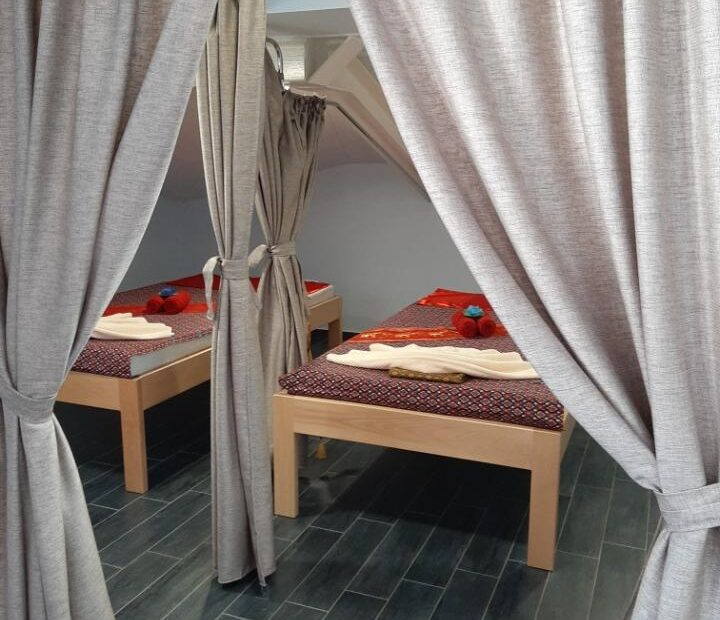 Thai Touch massage Opatija beds and decoration