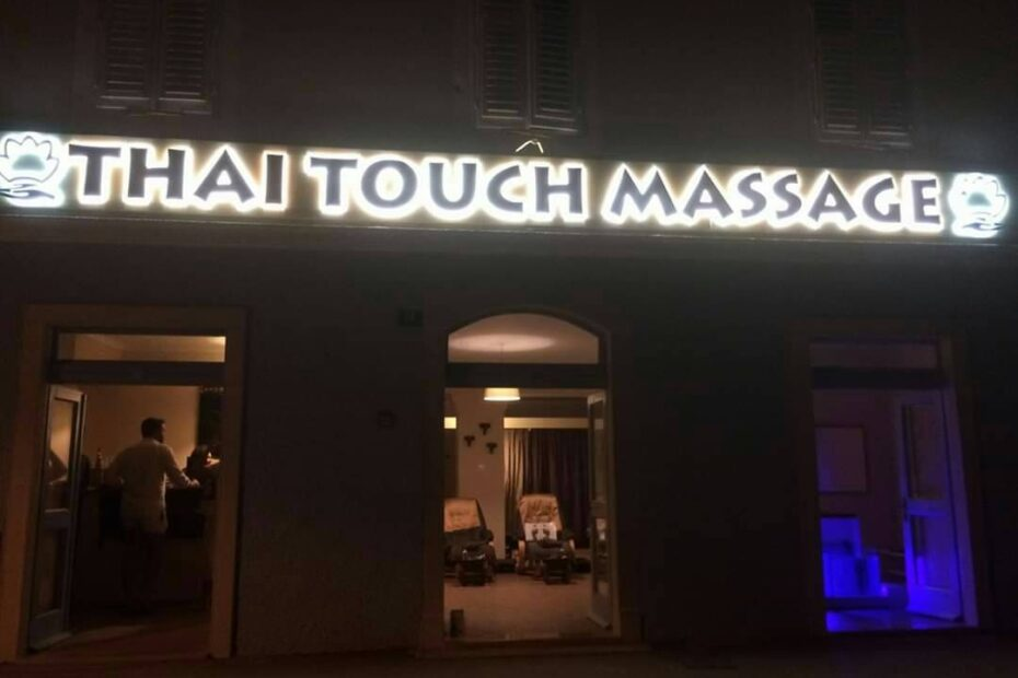Thai Touch massage salon in Mali Lošinj by night